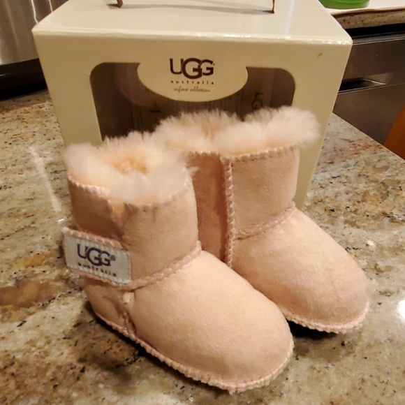 3f764d7afdd UGG Infant Erin style Boots Pink size Small